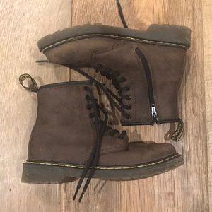 Dr. Martens Youth Delaney Boots